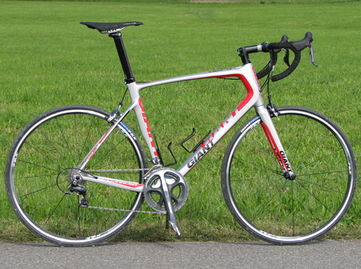 giant_defy_advanced_silnicni_kolo
